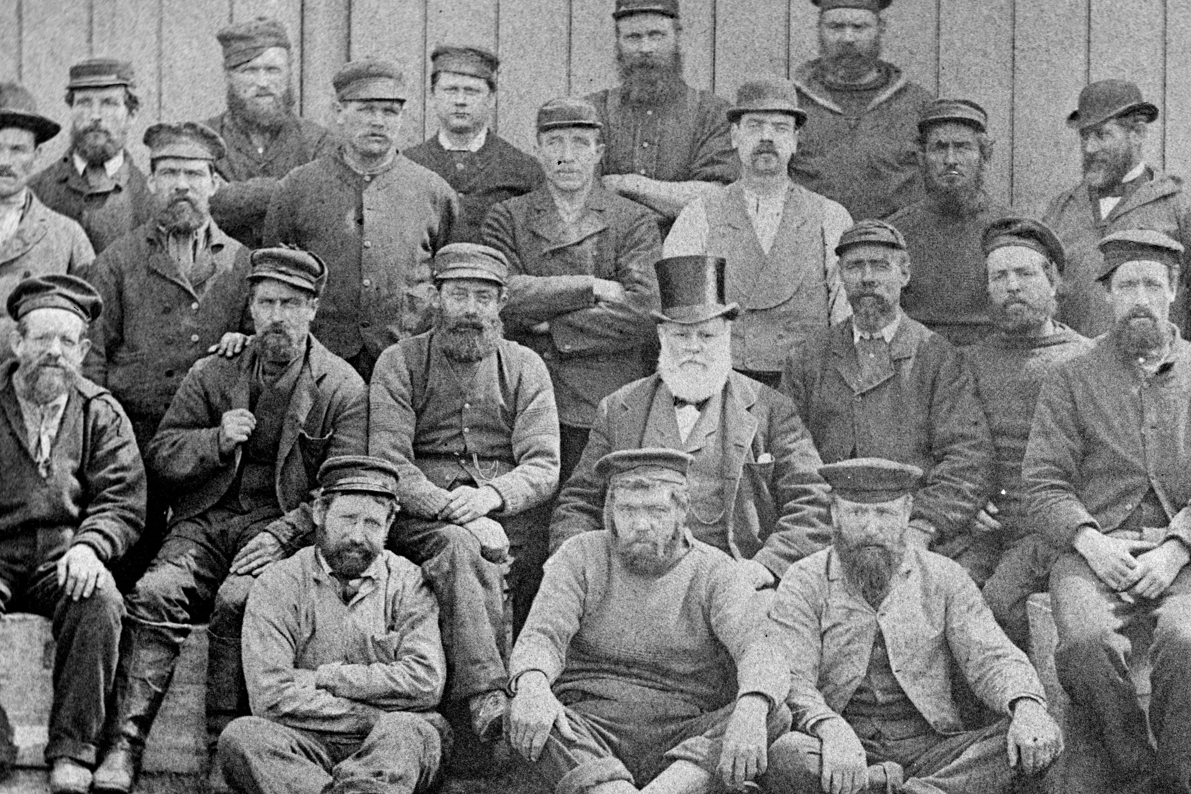 Crew of the whaler 'Hope'